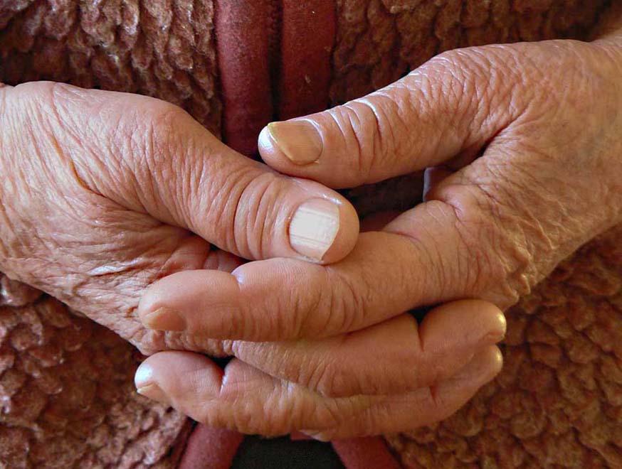 Картинки по запросу бабусині руки