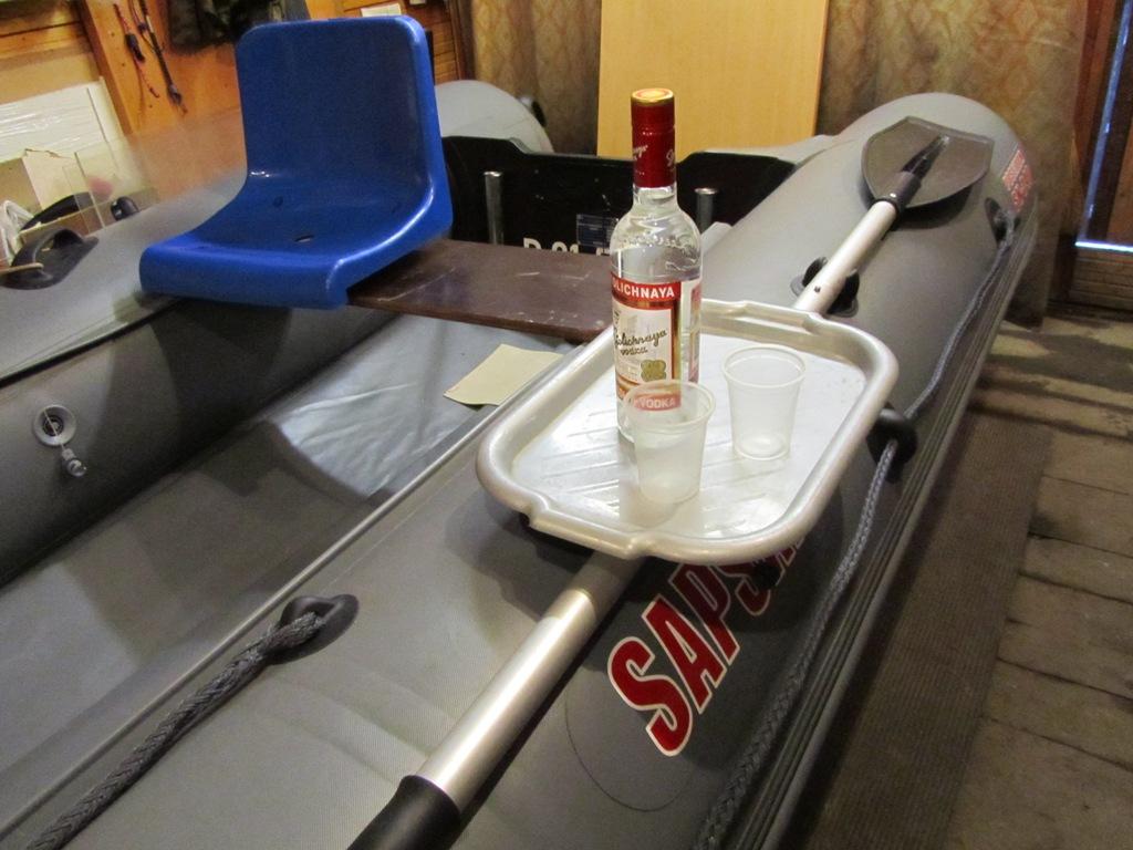 Столик на пвх лодку своими руками