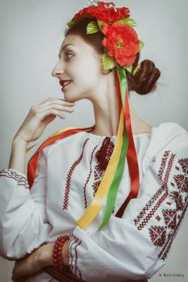 Portrait. Ukrainian folk type. Studio A. Krivitsky.